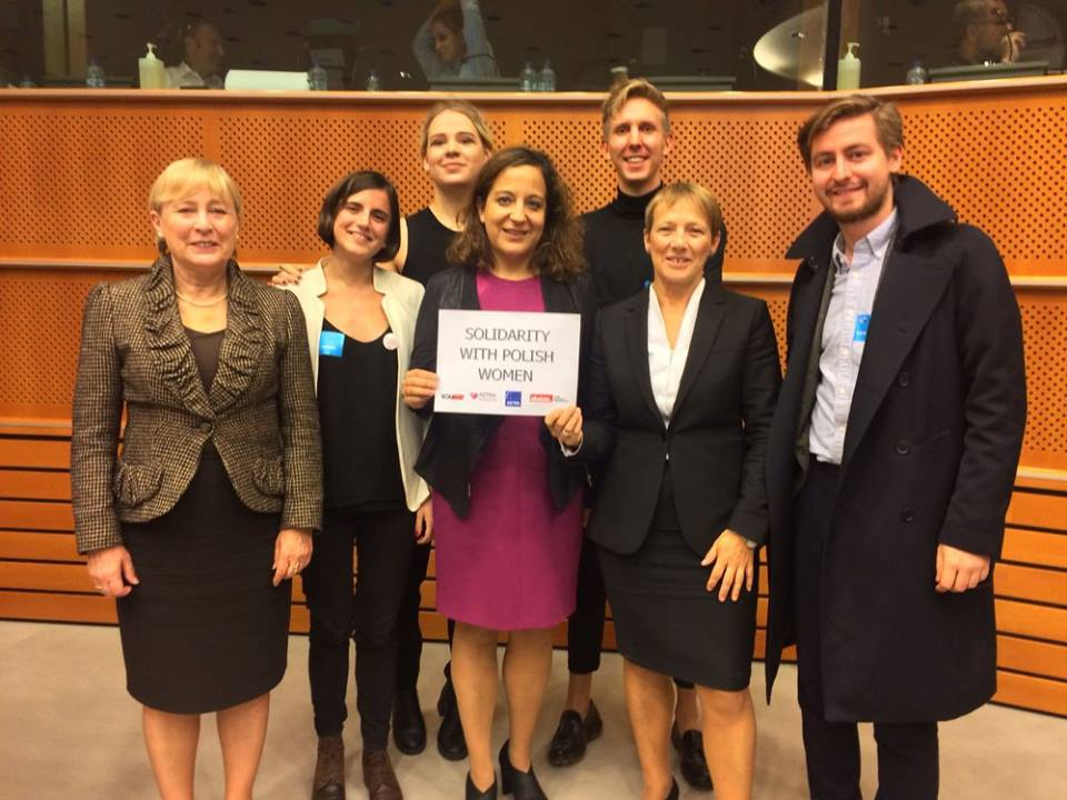 European youth advocates urge MEPs to act NOW to combat attacks on sexual reproductive health and rights in Poland and throughout Europe